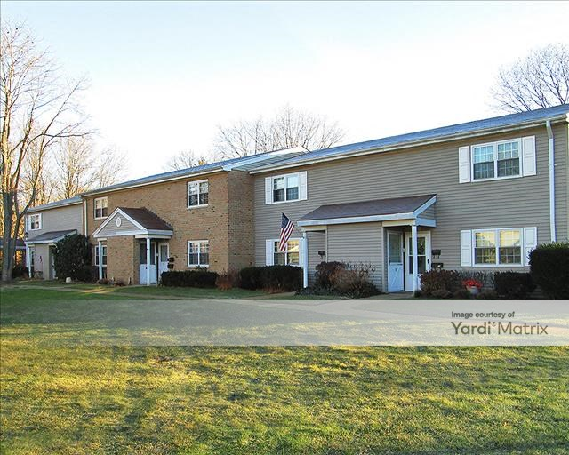 1100 Village Drive 11772 East Patchogue Ny Avery Village
